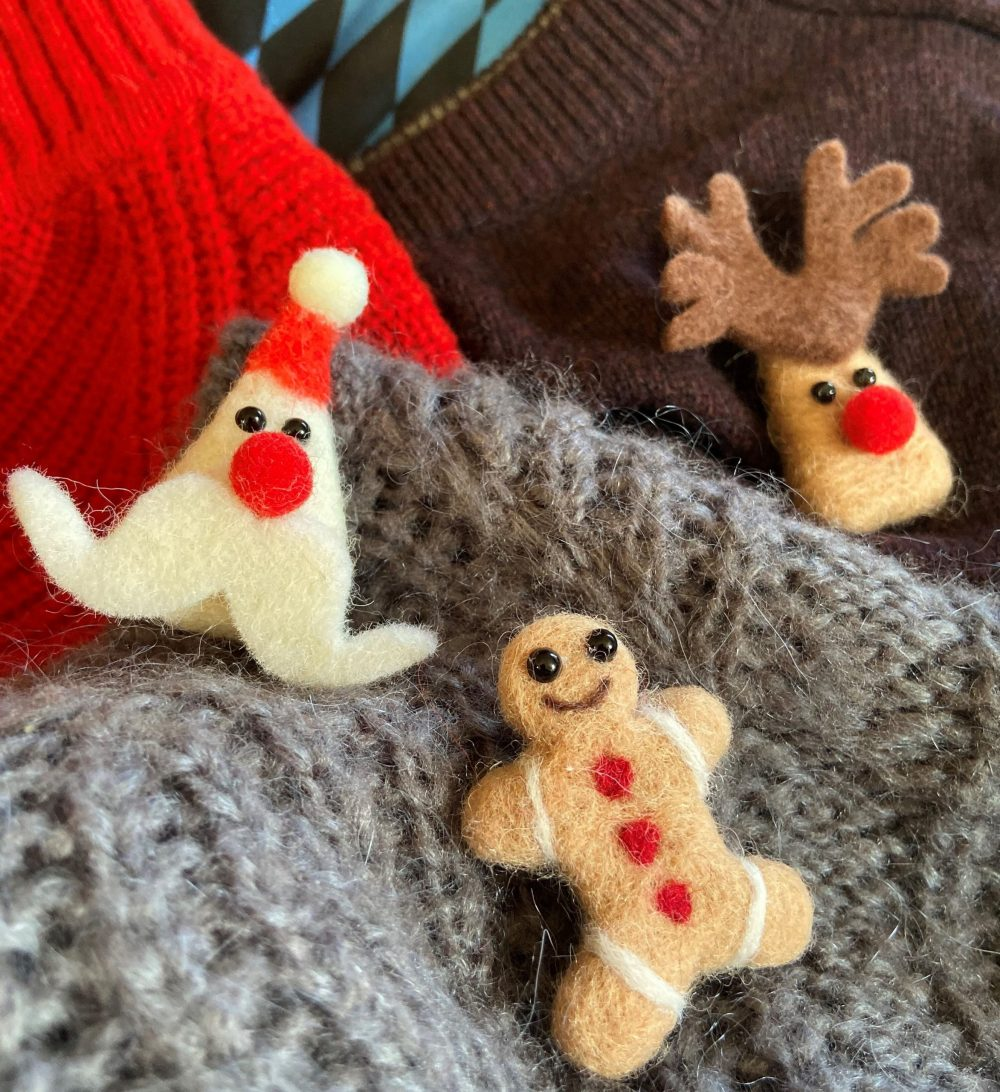 Festive felted brooches