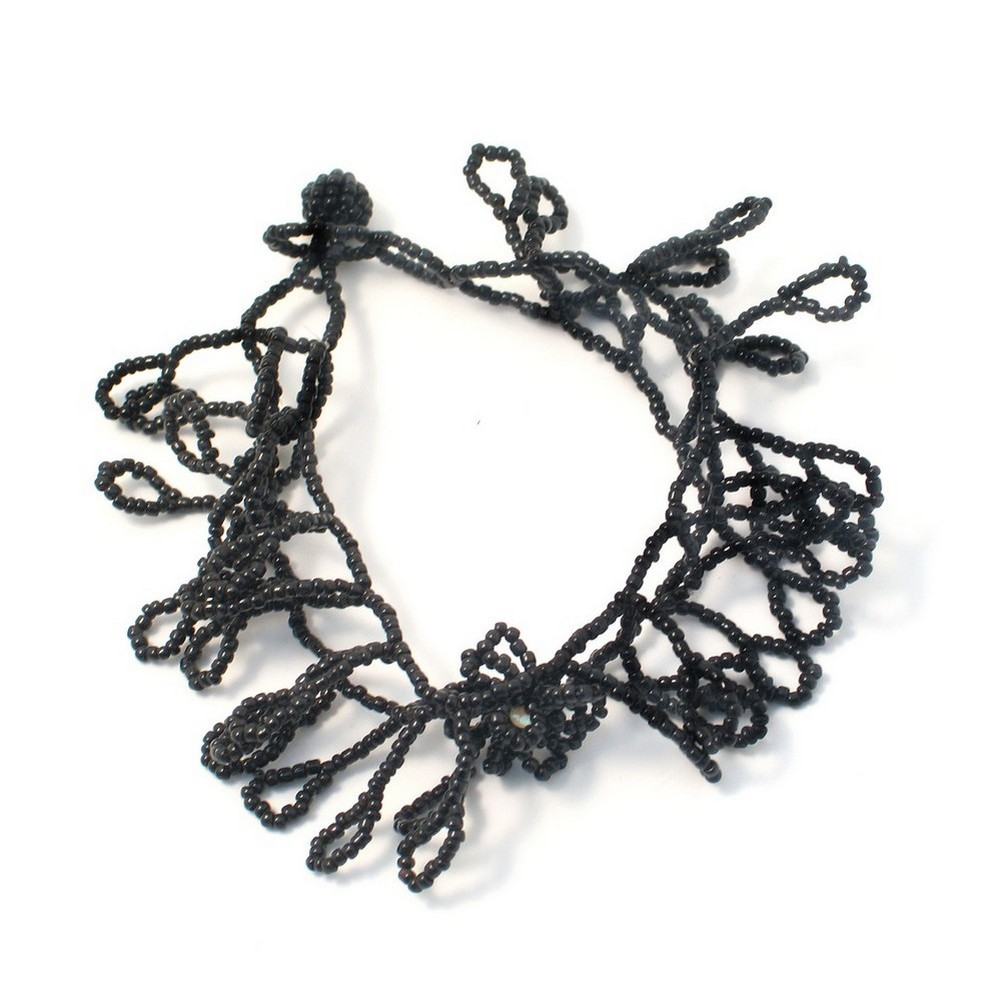 Bracelet Blk Lace Leaf Effect Made With Glass by JOE COOL
