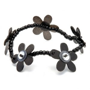 Bracelet Capis Flower Black Made With Shell by JOE COOL