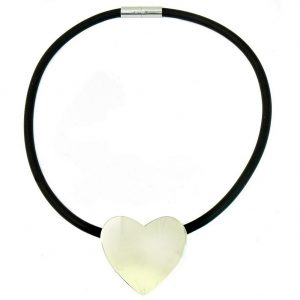 Necklace Magnetic Catch Heart Made With Rubber & Zinc Alloy by JOE COOL