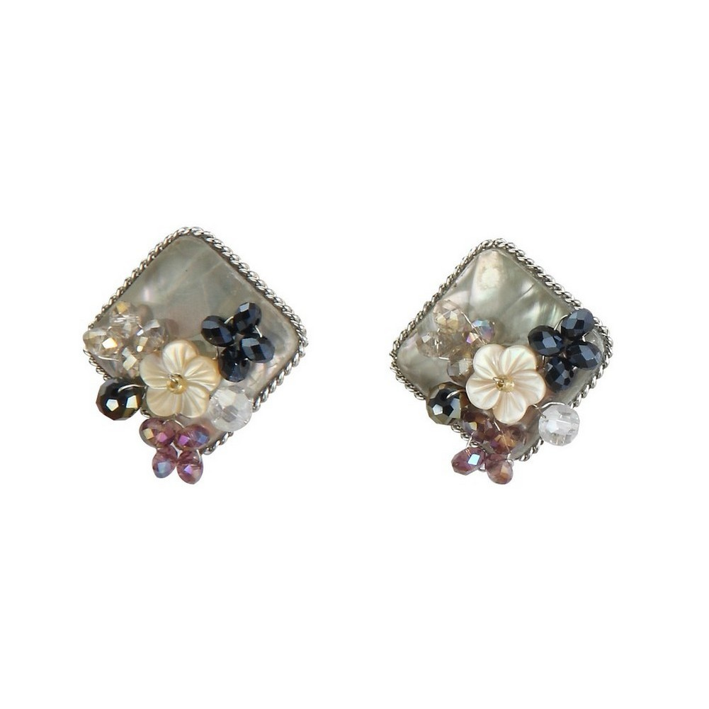Stud Earring Vintage Amethyst Flower Made With Shell & Iron by JOE COOL