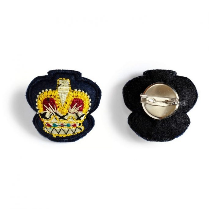 Brooch Crown Made With Cotton by JOE COOL