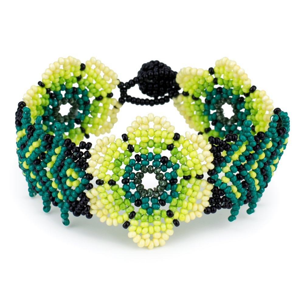 Bracelet Triple Flower Made With Bead by JOE COOL