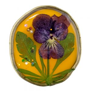 Brooch Pressed Flowers Made With Acrylic by JOE COOL