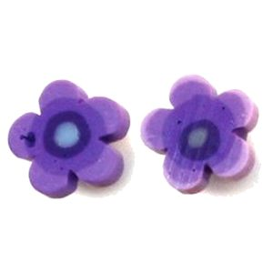 Stud Earring Heart And Flower Designs Made With Resin by JOE COOL